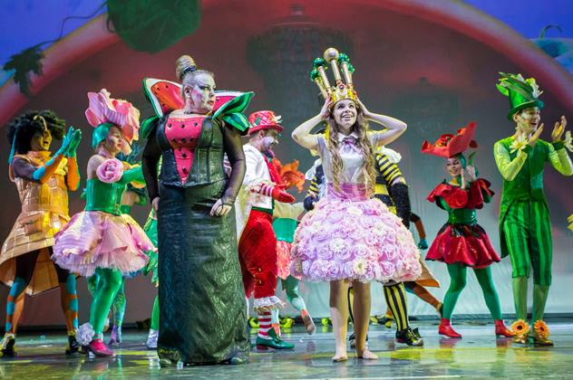 Alice In Wonderland. Musical with 3D decorations ( in English)